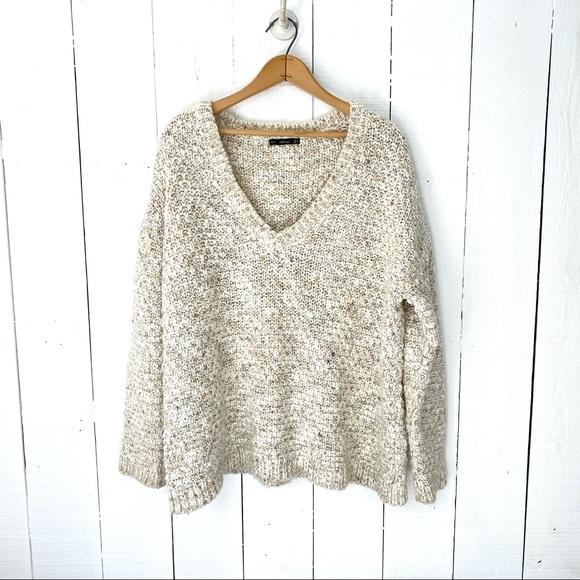 Zara cream knit v-neck long sleeve sweater